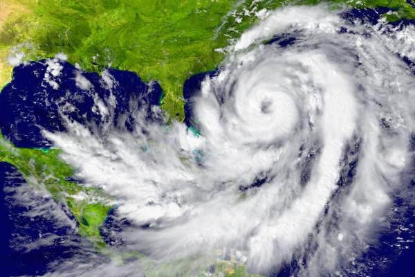 Security measures before a possible hurricane